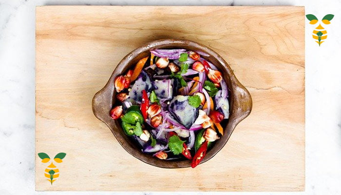Balsamic chicken salad mixed herbs